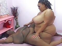 600lbs lesbians have to most incredible strapon sex